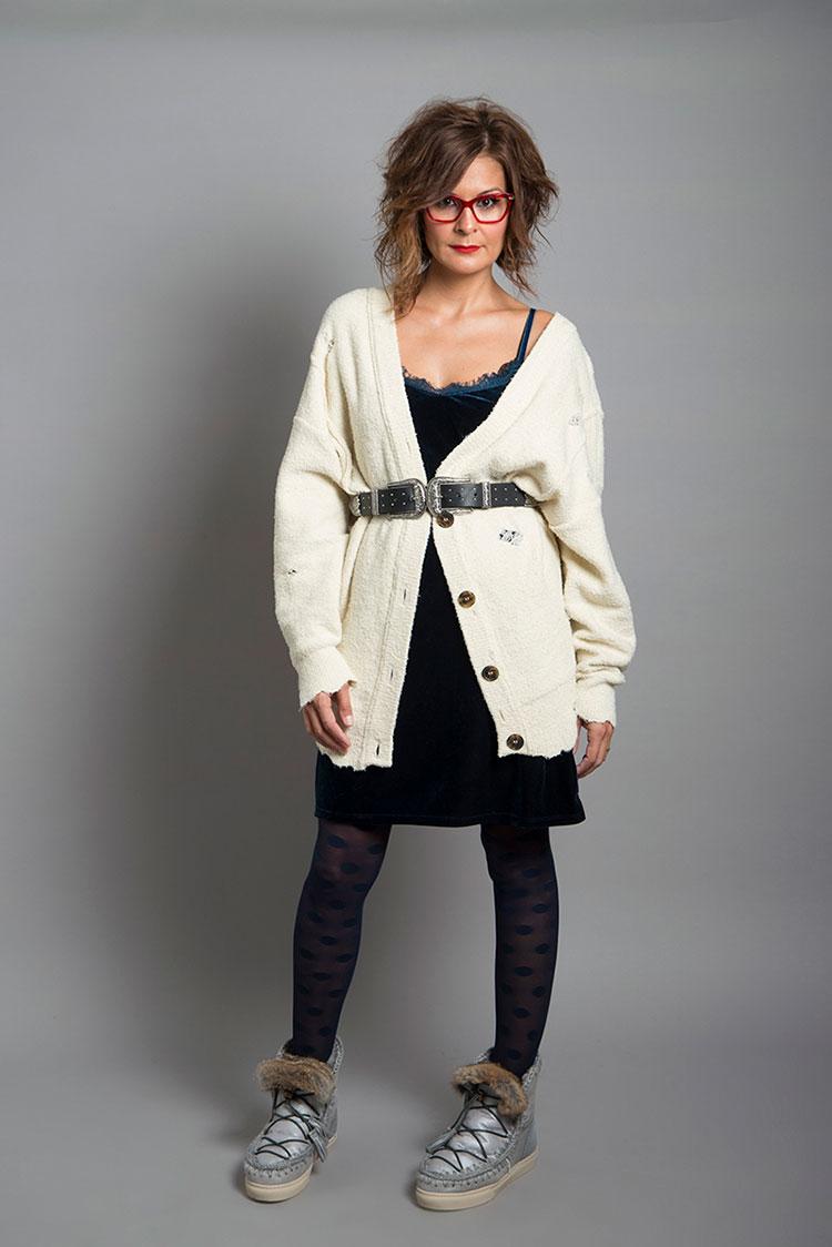 La bloquera Erika posa con las gafas Dolce & Gabbana para la colaboración Zamarripa By Erika.