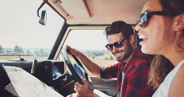 La importancia de las gafas de sol en la conducción